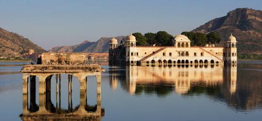 Jaipur_Lakepalace_720W_4209